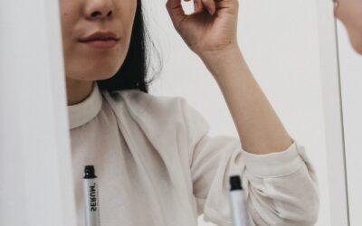 Comment faut-il appliquer son maquillage pour les cils ?